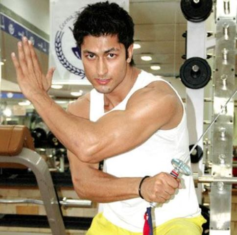 Vidyut Jamwal Workout Pictures