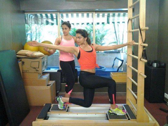 Deepika Padukone Workout with Yasmin Karachiwala