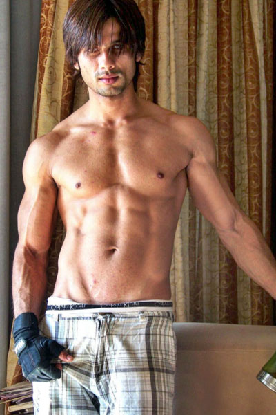 Shahid Kapoor Workout, Diet, and Body Building Tips