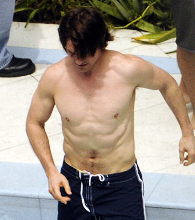 Tom Cruise Workout Routine Diet Plan And Body Stats