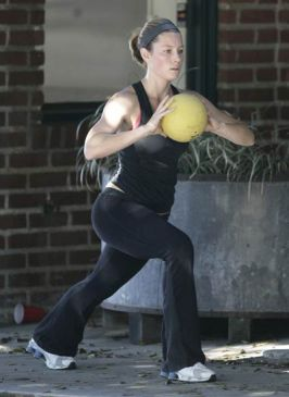 Jessica Biel Workout Routine and Diet Plan for a Hot Body